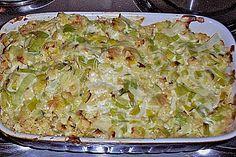 Putenschnitzel mit Röstis in Lauch - Käsesoße überbacken