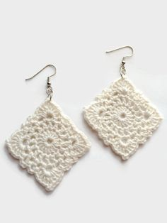 Items similar to Boho Crochet Earrings, Vintage Earrings, Diamond Shape Earrings, White Earrings on Etsy Vintage Crochet Earrings Diamond Shape by TangledKnotCreations Crochet Jewelry Patterns, Crochet Earrings Pattern, Crochet Accessories, Crochet Leaves, Crochet Flowers, Crochet Gifts, Crochet Geek, Diamond Earrings, Crochet Hearts