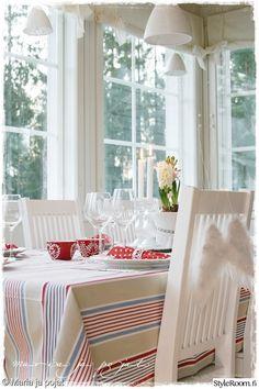 keittiö,valkoinen,ruokailutila,pöytäliina,kattaus Decor, Ghost Chair, Chair, Furniture, Home Decor