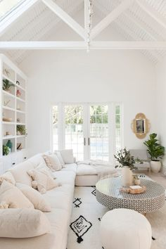 Hamptons Living Room, Cozy Living Rooms, My Living Room, Living Room Interior, Home And Living, White House Interior, Living Room Lounge, Living Room Inspiration, Home Decor Inspiration