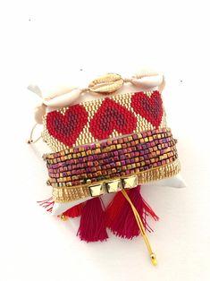 MiyukioNE BRACELET-sELECT tHE OPtiONS-heart adjustable bracelets -shell jewelry -miyuki -adjustable full colors bracelet-strass-tassel- Ideas & Thoughts Bead Loom Bracelets, Beaded Bracelet Patterns, Bracelet Crafts, Beading Patterns, Bracelet Strass, Gold Heart Bracelet, Beaded Crafts, Colorful Bracelets, Adjustable Bracelet