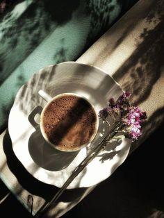 Coffee Is Life, I Love Coffee, Coffee Break, My Coffee, Coffee Girl, Coffee Corner, Coffee Cafe, Coffee Drinks, Coffee Shop