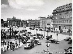 VerkehrsknotenPariserPlatz, Unter den Linden, 10117 Berlin - Mitte (1935)