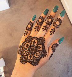 Simple Mehndi Designs Fingers, Mehndi Designs Front Hand, Pretty Henna Designs, Floral Henna Designs, Full Hand Mehndi Designs, Mehndi Designs For Girls, Mehndi Designs For Beginners, Mehndi Design Photos, Henna Designs Easy