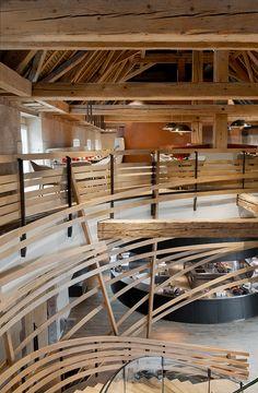 Edifício histórico francês convertido em elegante hotel |  Jouin Manku
