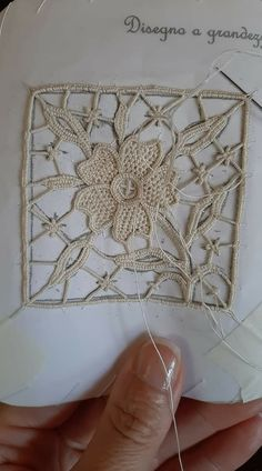 Needle Lace, Bobbin Lace, Hobbies And Crafts, Diy And Crafts, Drawn Thread, Gold Work, Lace Making, Vintage Embroidery, Sicilian