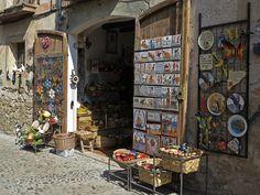 https://flic.kr/p/czWXgJ | Souvenir Shop in Spain