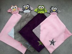 Doudou hibou carré Sewing Toys, Baby Sewing, Sewing Crafts, Sewing Projects, Couture Bb, Couture Sewing, Baby Shoes Pattern, Shoe Pattern, Baby Snuggle Blanket