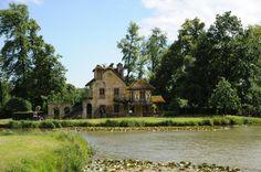 Le moulin de Richard Mique, architecte du Hameau de la Reine