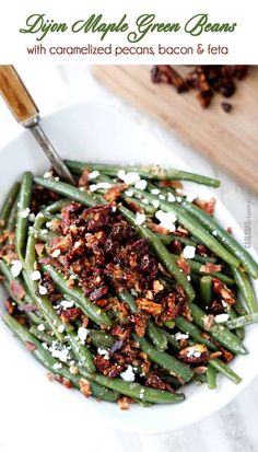 Dijon Maple Green Beans with Caramelized Pecans, Bacon and Feta /// best green beans I've ever had. I didn't add the bacon or feta or pecans, but they were still amazing. Best Thanksgiving Side Dishes, Holiday Side Dishes, Thanksgiving Recipes, Thanksgiving Green Beans, Vintage Thanksgiving, Veggie Dishes, Food Dishes, Side Dish Recipes, Vegetable Recipes
