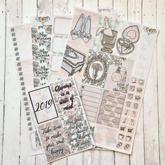 Swipe ▶️▶️▶️ to see this kit lid out in the HP and the sale code 😍 It also comes in EC and personal. off in the sale. Life Planner, Happy Planner, Planner Decorating, Sticker Shop, Planner Stickers, Things To Come, How To Make, Kit, Autumn Fall