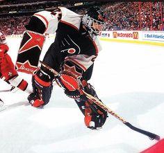 Ron Hextall / Philadelphia Flyers Flyers Hockey, Boston Bruins Hockey, Women's Hockey, Hockey Games, Hockey Players, Hockey Stuff, Chicago Blackhawks, Kings Hockey, Philadelphia Sports