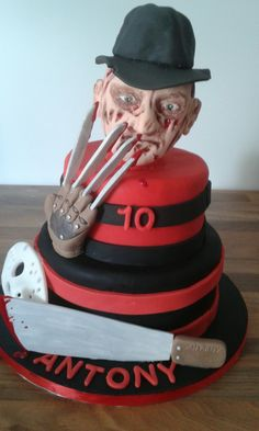 """Freddies gonna get you "" nightmare on elm street cake"