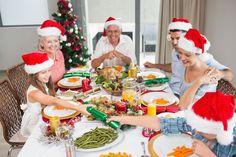imagini cu familia la masa – Căutare Google Christmas Hearts, Body Organs, Fir Tree, Christmas Illustration, Model Release, Cheer, Royalty, Dining Table, Table Decorations