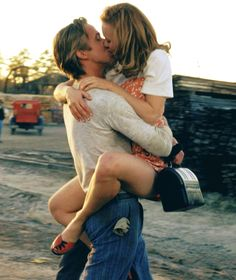 "Rachel McAdams ♥ Ryan Gosling ""The Notebook"" love this film Movie Couples, Cute Couples, Ryan Gosling The Notebook, Rachel Mcadams The Notebook, Movies Showing, Movies And Tv Shows, Gilmore Girls, Hopeless Romantic, Romantic Men"