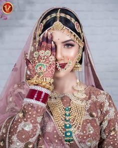 Make-up & Haare UV Ghai Jewe - Damen Schmuck und Accessoires Indian Bridal Photos, Indian Bridal Outfits, Indian Bridal Fashion, Bridal Dresses, Desi Bride, Bride Look, Rajasthani Bride, Rajasthani Dress, Designer Bridal Lehenga