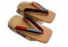 How to Make a Pair of Geta (Wooden Sandals). Basic Construction: In the world of woodworking projects, geta are about as simple as you can get. They are just three pieces of wood. Japanese-made geta are cut out of a single piece of wood. Geisha, Easy Woodworking Ideas, Woodworking Wood, Woodworking School, Popular Woodworking, Bois Diy, Wooden Sandals, Wooden Clogs, Japanese Outfits