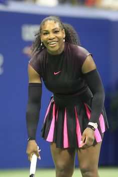 Whenever Serena Williams steps onto a tennis court, you can expect power, fierceness, nearly flawless technique, and some of the hottest outfits on the court. Serena Williams Photos, Serena Williams Tennis, Venus And Serena Williams, Strong Women, Fit Women, Tennis Clothes, Nike Clothes, Celebrity Closets, Celebrity Style