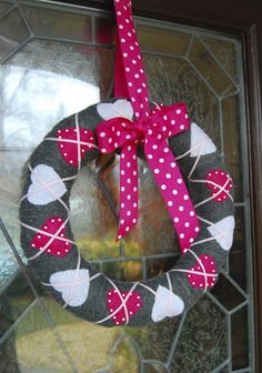 Valentine's wreath. Neat idea. Went to look on site but said may be spam just to forewarn ppl!!