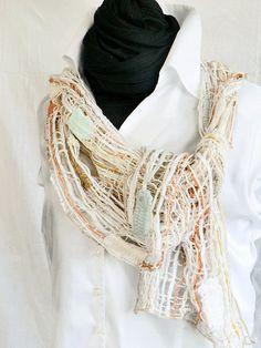 handmade lace scarf in beige washable, Schal geklöppelte Spitze Wolle beige Stola handmade von Uli Baysie €169.00