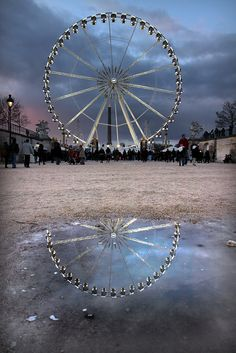 The Ferris Wheel in Tuileries Gardens (La Grande Roue à Jardins des Tuileries), Paris, France by Calinore on Flickr.