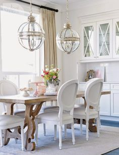 6th Street Design School : I love this dining table.  My chairs are just like these so I need to find this table.