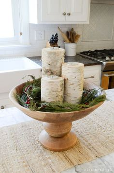 Gardening Autumn - Easy DIY Birch Candle Holders Tutorial - With the arrival of rains and falling temperatures autumn is a perfect opportunity to make new plantations Noel Christmas, Rustic Christmas, Christmas Crafts, Scandinavian Christmas, Purple Christmas, Natural Christmas, Coastal Christmas, Modern Christmas, Diy Candle Holders
