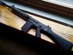 FN FAL 7.62NATO 20rnd... Loved using this rifle in the Canadian Forces