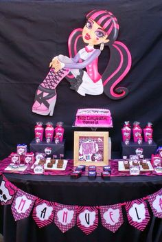 Tphthepartyhouse : Monster High party & mesa dulce/sweet table