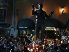 Trompetas y lágrimas siguen por Juan Gabriel en Garibaldi | EL DEBATE