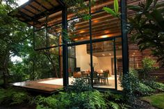 20 Awesome Houses in the Forest You'll Want to Own
