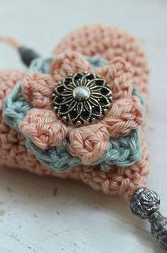 Een blog over haken, haak patronen, gehaakte bloemen, brocante en oude gehaakte spullen, gehaakte sprei, gehaakt tafelkleed