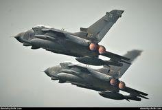 Tornado GR4 formation