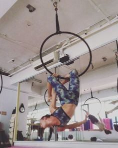 "Elisa Angelucci on Instagram: ""Angel by the wings First part of the routine @winnie.au #aerialhoop #spinhoop #angelbythewings #routine #trainingeverydamnday #shapes…"""