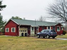 One family, 1 story ranch style, built 1970+/-, 1,340 +/- sq ft., 3BD/1.5BA, deck, attached garage. IRS lien. Tax Map #: 501.21-1-1 Lot Size: 135 x 150 +/- Ft School District: Tupper Lake  Full Market Value: $132,900 Inspection: Occupied, Drive by anytime. www.nysauctions.com Franklin County Tax Foreclosure Auction May 25, 2016