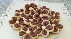 FURSECURI FRAGEDE IN 10 MINUTE Rodjendanske Torte, Romanian Desserts, Choux Pastry, Dog Food Recipes, Sweets, Cookies, Breakfast, Cake, Facebook