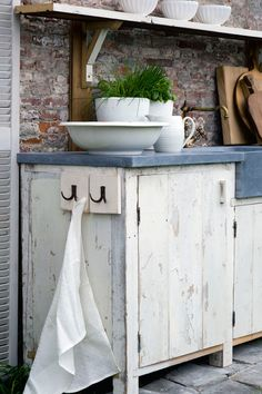 keukens op maat van oud hout en natuursteen    Oude bouwmaterialen bij Jan van IJken Eemnes    www.oudebouwmaterialen.nl