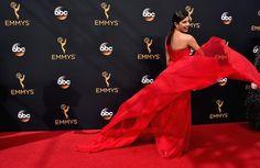 Emmy Awards 2016: os looks que mais chamaram a atenção no tapete vermelho - Glamour | Tapete vermelho
