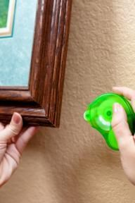 Crooked picture bugging you?  Keep the photo frame straight with Removable Glue Dots: http://ow.ly/9LGsT