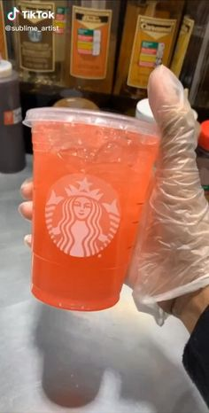 Starbucks Secret Menu Drinks, Starbucks Coffee, Starbucks Hacks, Iced Coffee, Healthy Starbucks Drinks, Yummy Drinks, Healthy Drinks, Gummy Bear Drink, Smoothie Drinks