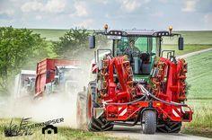 Ein #Fendt Katana 85 auf dem Weg zum Acker Unterstützung bringt er gleich mit! #fendtpower #kemper #greenenergy #dieackerknipser #landwirtschaftistleidenschaft #landwirtschaft #farmlife #farming #nature