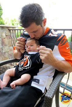 Nick Lachey, Son Camden Wear Matching Cincinnati Bengals Jerseys. He is just toooo cute!!!!