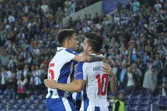 Vitória do FC Porto no jogo 100 do Dragão na Champions