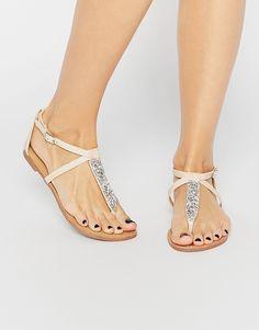 Sandalias planas con tira en el dedo adornada Jersey de Miss KG