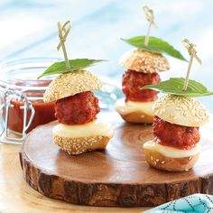 These Sliders with Tre Stelle Shaved Parmesan pack a lot of flavour in a little bite! Ground Pork Meatballs, Appetizer Recipes, Appetizers, Mini Rolls, Pork Sliders, Slider Buns, Eat To Live, Parmesan, Shaving