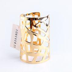 Forever21 Vogue Golden Bangle M481