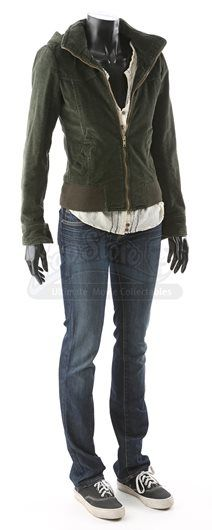 Twilight Outfits, Twilight Sky, Bride Of Chucky, Bella Swan, Fandom Outfits, Movie Costumes, New Moon, College Outfits, Cute Outfits