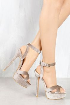 Womens Best Designer Shoes Style Shoes Fashion For Everyday Sexy High Heels, Womens High Heels, Shoe Boots, Shoes Heels, Heels Outfits, Prom Heels, Jimmy Choo Shoes, Shoe Collection, Designer Shoes