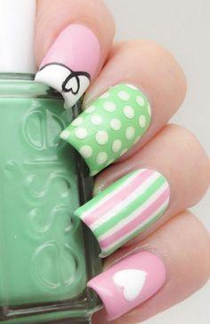 pink & green manicure - The Nail Polish Project nail nail art Fancy Nails, Cute Nails, Pretty Nails, Dot Nail Art, Polka Dot Nails, Polka Dots, Nails Ideias, Hair And Nails, My Nails