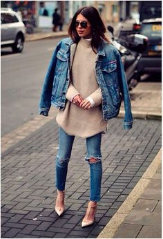 Denim jacket, distressed denim jeans, polar neck jersey over a white long sleeved button-up shirt, sunnies and nude pumps- double denim- fashion and street style Denim Fashion, Look Fashion, Fashion Outfits, Net Fashion, Fashion Heels, Fashion Photo, Woman Outfits, Woman Fashion, Trendy Fashion